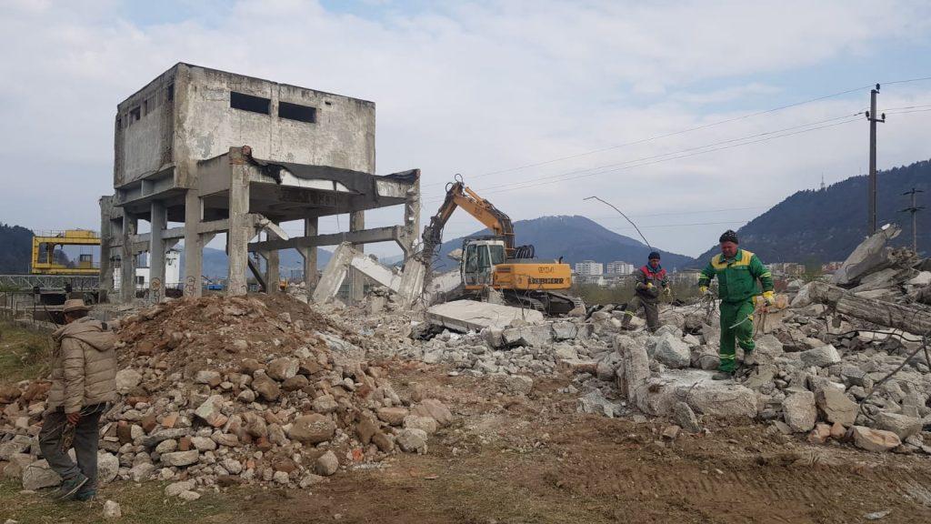 inchirieri excavatoare Focsani